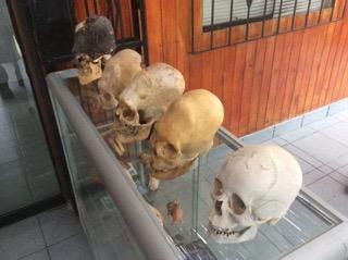 alien-skulls-peru
